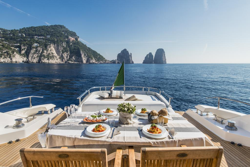 Private Yacht Boat Rent Luxury Private Helicopter